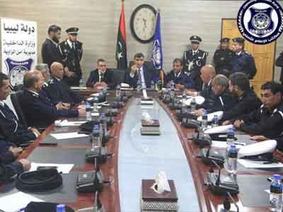 وزير الداخلية المفوض بحكومة الوفاق يزور مديرية أمن الزاوية