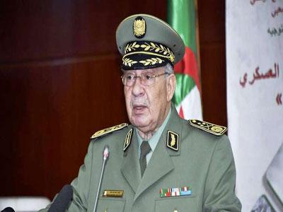 رئيس أركان الجيش الجزائري يؤكد الالتزام اللامحدود للجيش في مرافقة المرحلة الانتقالية