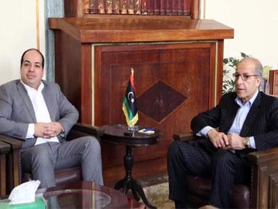 معيتيق يعقد اجتماعا مع محافظ مصرف ليبيا المركزي