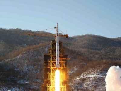 كوريا الشمالية.. إلى القمر وما بعده