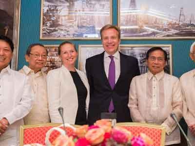 بدء محادثات سلام بين الحكومة الفلبينية والمتمردين الشيوعيين في أوسلو
