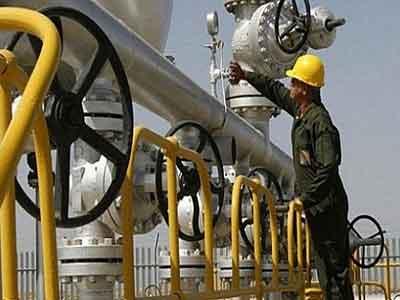 النفط يتجه لتكبد خسارة أسبوعية بفعل مخاوف ب