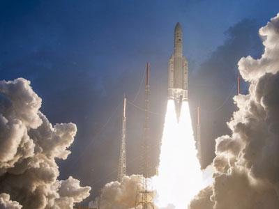 كوريا الجنوبية تنجح في إطلاق قمر صناعي يرسل بيانات الطقس