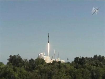 الصاروخ «فالكون 9» يقلع من فلوريدا