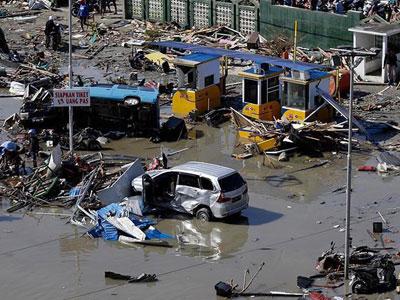 حصيلة جديدة : ارتفاع عدد ضحايا التسونامي في إندونيسيا إلى 168 قتيلا و745 جريحا