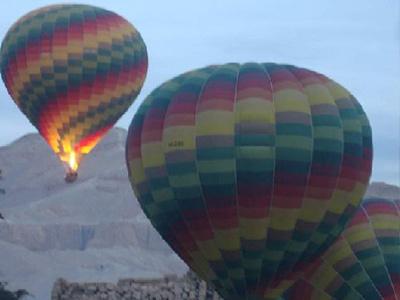 احتراق منطاد سياحي بمصر