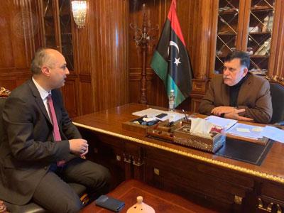 رئيس المجلس الرئاسي يتابع مع رئيس مصلحة الأحوال المدنية برامج عمل المصلحة