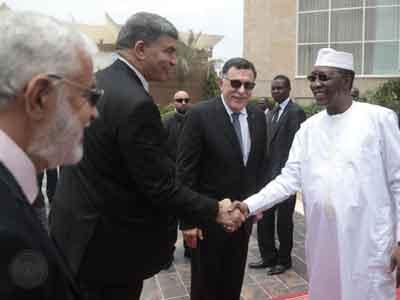 رئيس المجلس الرئاسى يلتقي الرئيس التشادي في إنجامينا ويتفقان على تعزيز التعاون الأمني ومراقبة الحدود