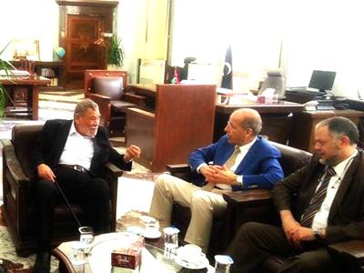 محافظ مصرف ليبيا المركزي يلتقي حسين حامد حسان عضو الاتحاد العالمي لعلماء المسلمين