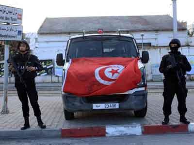 الأمن التونسي يقبض على تشكيل عصابي دولي يهرب السيارات الليبية إلى الجزائر