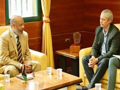 وزير الصحة و نائب رئيس مكتب الأمم المتحدة للشؤون الإنسانية يبحثان سبل تعزيز التعاون المشترك