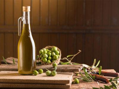 زيت الزيتون منجم من الفوائد الصحية