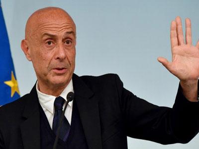 وزير الداخلية في الحكومة الايطالية المنتهية ولايتها، ماركو مينيتي
