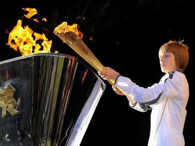 اليابان: انطلاق شعلة الألعاب الأولمبية من فوكوشيما بعد تأخر عام بسبب كوفيد-19