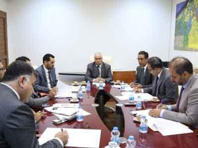 لجنة شؤون المهجرين تستعرض التحديات التي تواجه المهجرين بالخارج