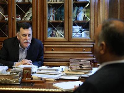 رئيس المجلس الرئاسي يجتمع مع وزير الاقتصاد
