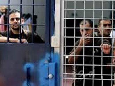 60 أسيرًا فلسطينيا يشرعون بإضراب مفتوح عن الطعام